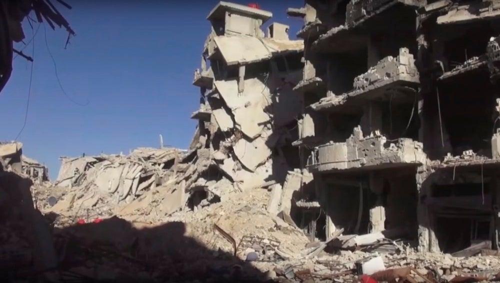 Edificio en ruinas en la ciudad siria de Daraya