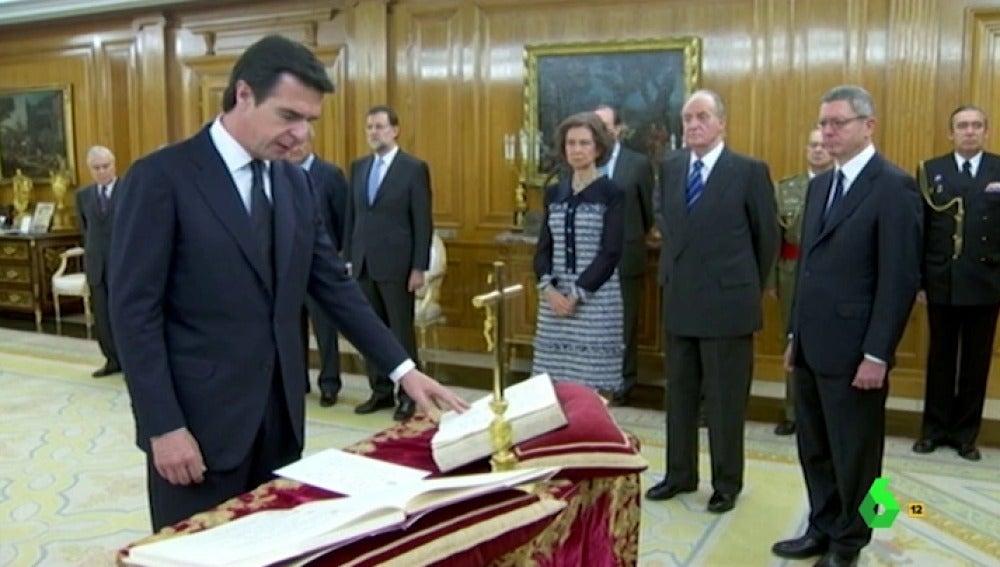 José Manuel Soria jura ante la constitución de la república de Panamá