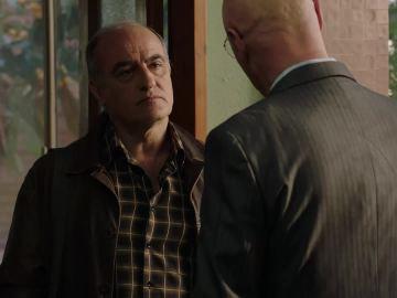 Merlí habla con el padre de Joan