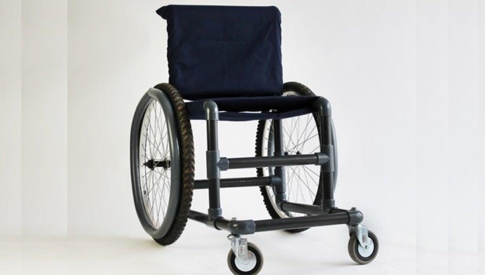 LA SEXTA TV | Diseñan una silla de ruedas \'low cost\' con materiales ...