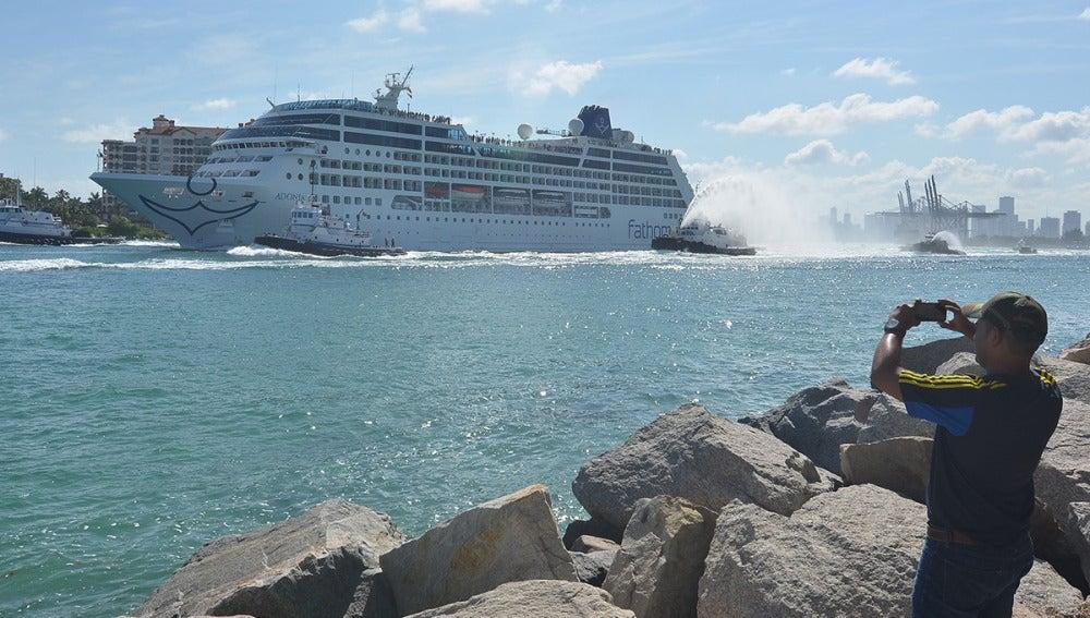 Adonia, el primer crucero en 50 años en cubrir EEUU-Cuba