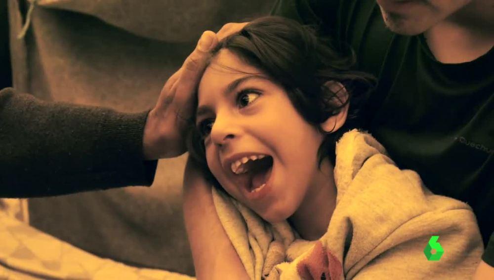 Osman, el niño afgano con parálisis cerebral