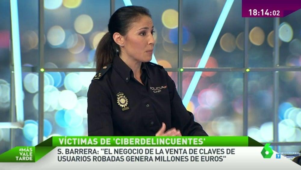 Silvia Barrera, policía