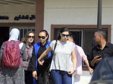 Familiares de las víctimas en el aeropuerto de El Cairo