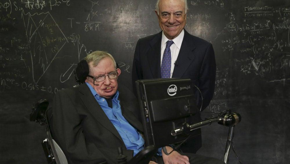Stephen Hawking recibe el Premio Fronteras del Conocimiento