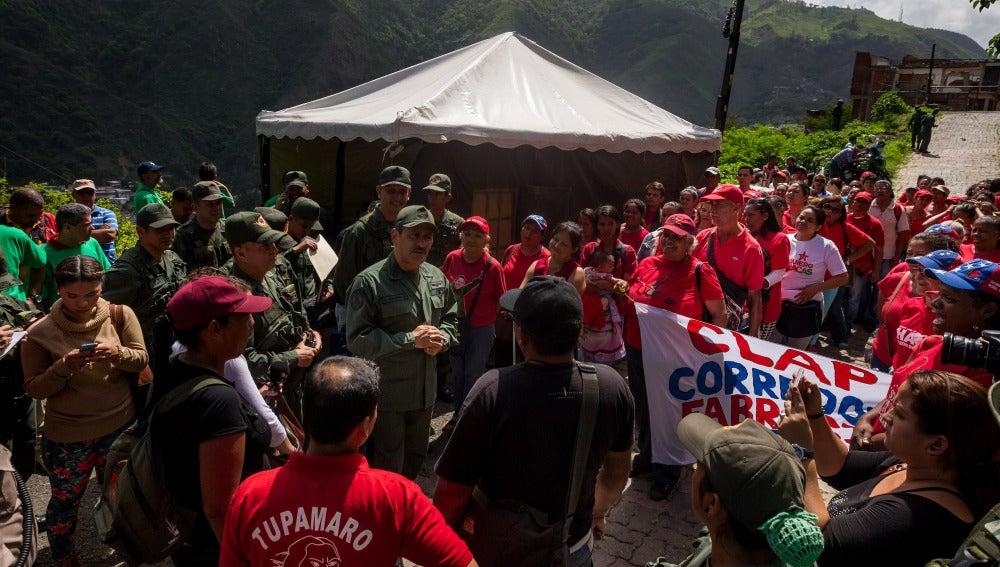 Máxima tensión en Venezuela con los ejercicios militares ordenados por Maduro y las manifestaciones de la oposición
