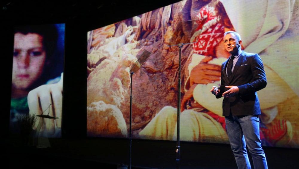Daniel Craig en Cumbre Humanitaria
