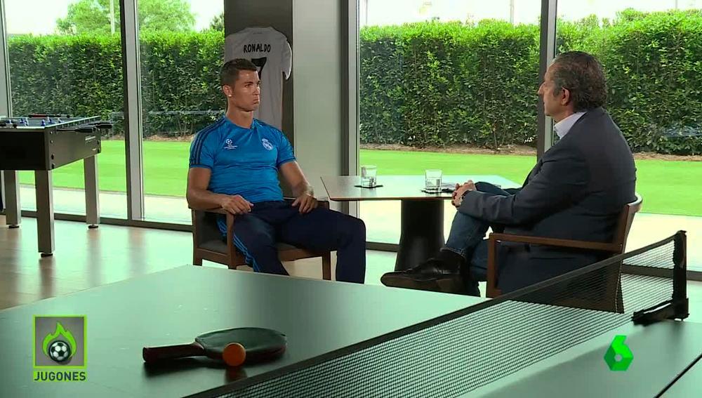 Momento de la entrevista a Cristiano Ronaldo