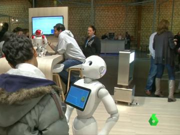 Peper, el robot que lee las emociones