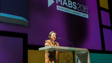 Shirin Ebadi en el Management & Business Summit