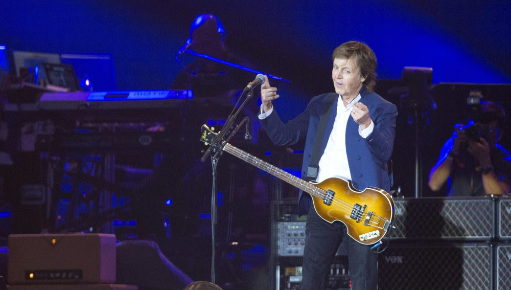Paul McCartney en un concierto en Dinamarca