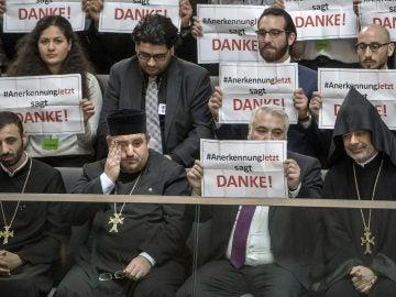 """Miembros de la iniciativa armenia """"Rconocimiento ya"""""""
