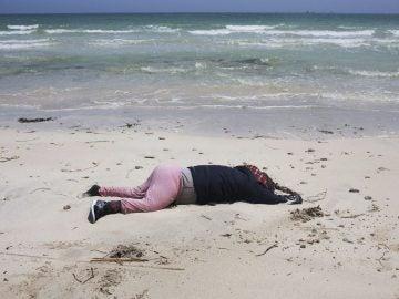 Aumentan a 129 los cuerpos encontrados en la costa de Libia tars los naufragios