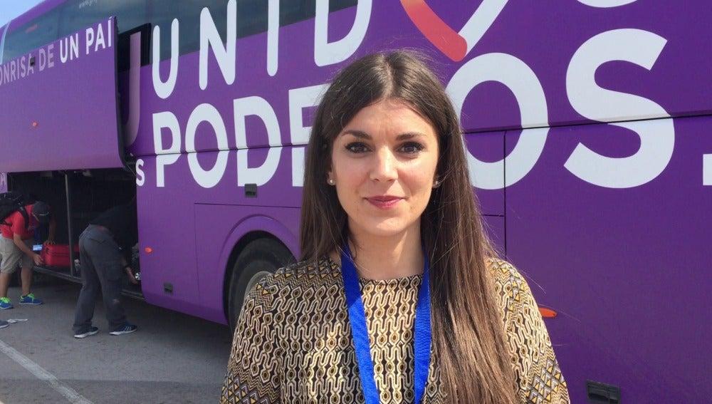 Lorena Baeza en la caravana electoral de Unidos Podemos