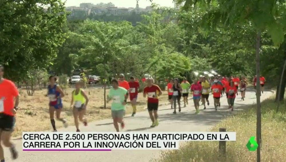 Frame 7.091182 de: Cerca de 2.500 personas participan en la carrera por la innovación contra el VIH en Madrid