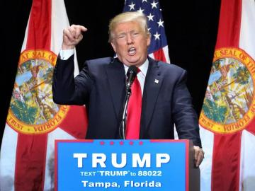 Donald Trump durante su mitin en Florida.