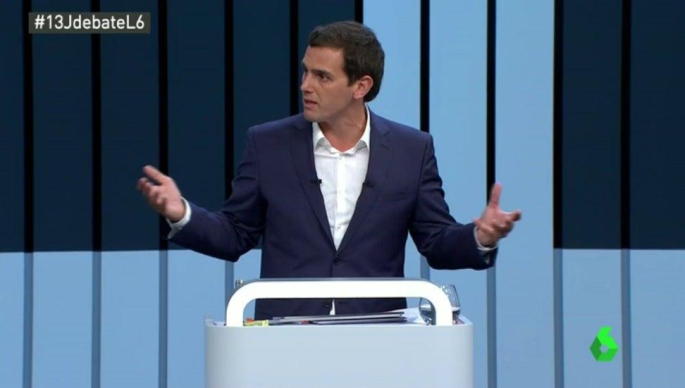 """Frame 11.393543 de: Albert Rivera, a Rajoy: """"Yo no le voy a llamar indecente, pero España merece un nuevo Gobierno"""""""