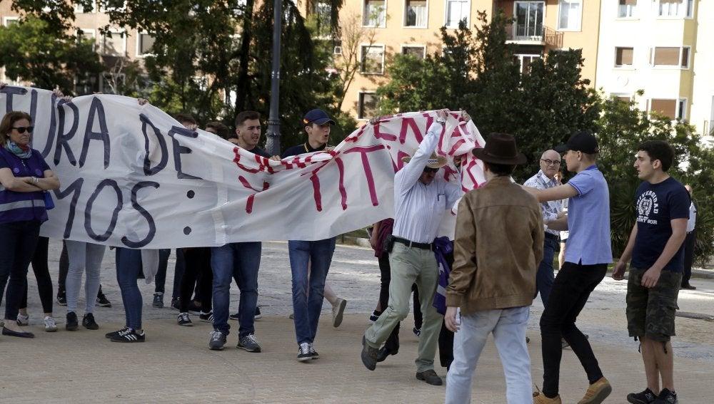 El grupo de ultraderecha 'Hogar Social Madrid', durante un acto de Unidos Podemos