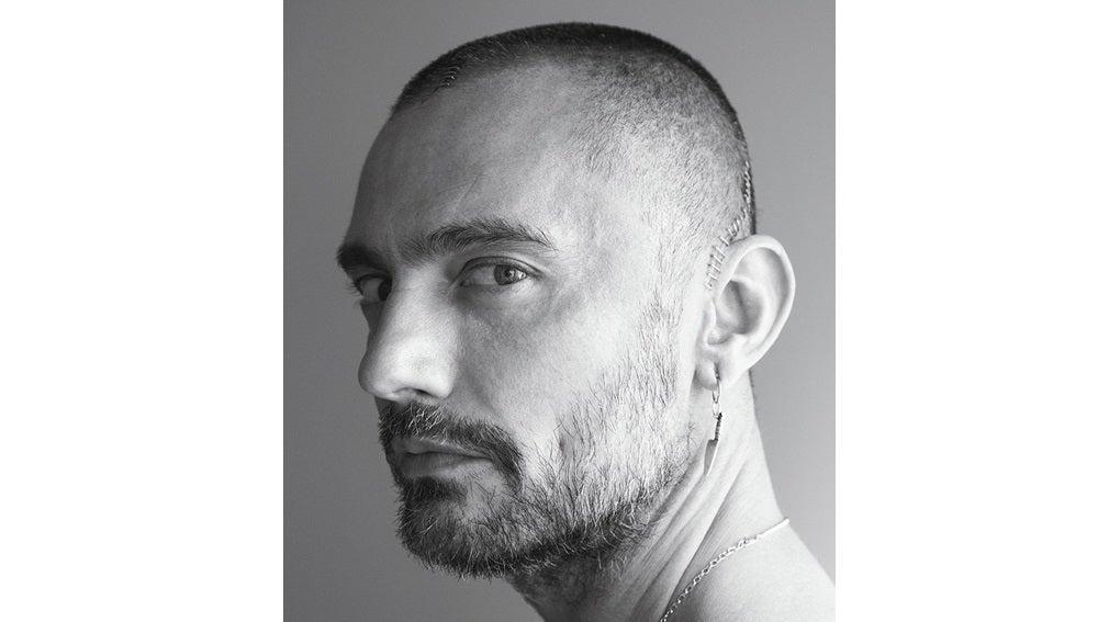 Imagen de David Delfín en su entrevista para la revista Vogue
