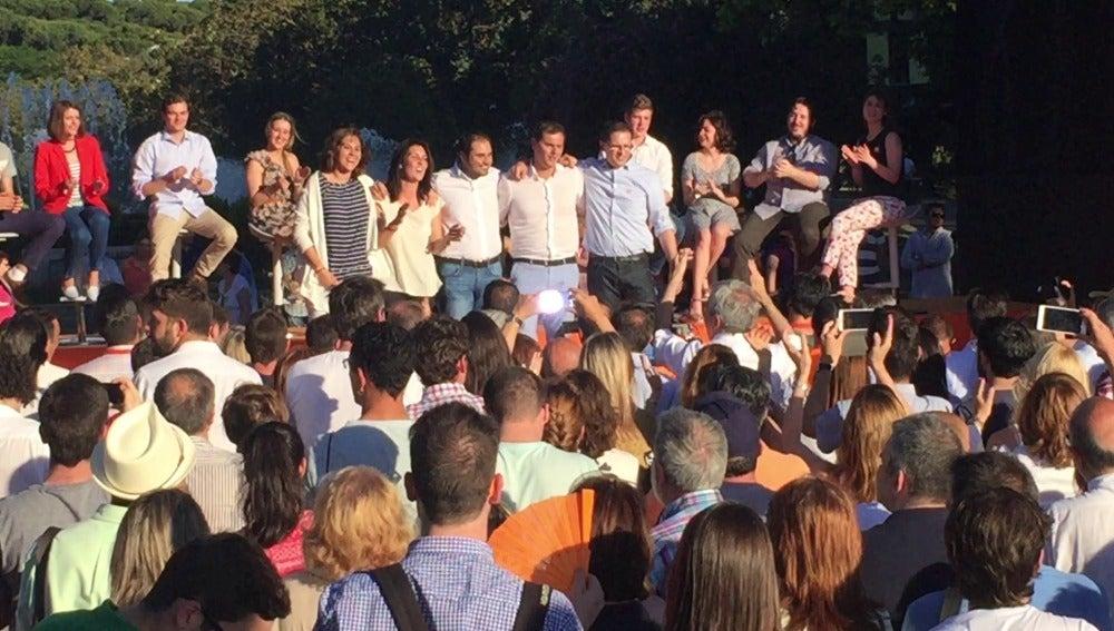 Albert Rivera, a ritmo de rap en el acto electoral de Ciudadanos en Zaragoza