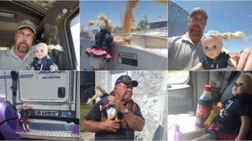 Un padre cuida de la muñeca de su hija
