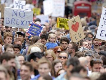 Manifestantes en la marcha contra el 'brexit'