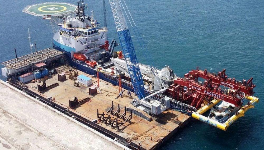 Recuperan una barcaza con 300 cadáveres de migrantes libios