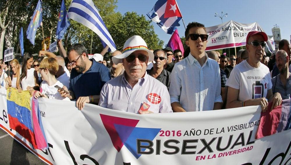 Íñigo Errejón, entre otros políticos, encabeza la marcha por el Orgullo en Madrid
