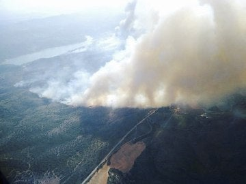 Rebajan a cero la peligrosidad del fuego de Liétor, en Albacete, y se abren las carreteras tras más de 30 horas ardiendo