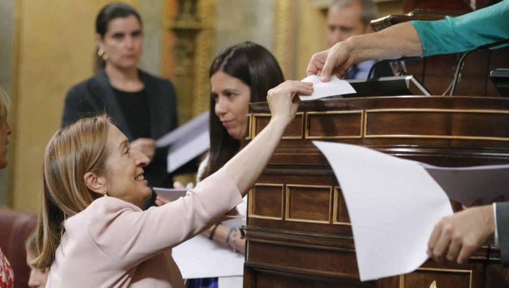 Ana Pastor vota