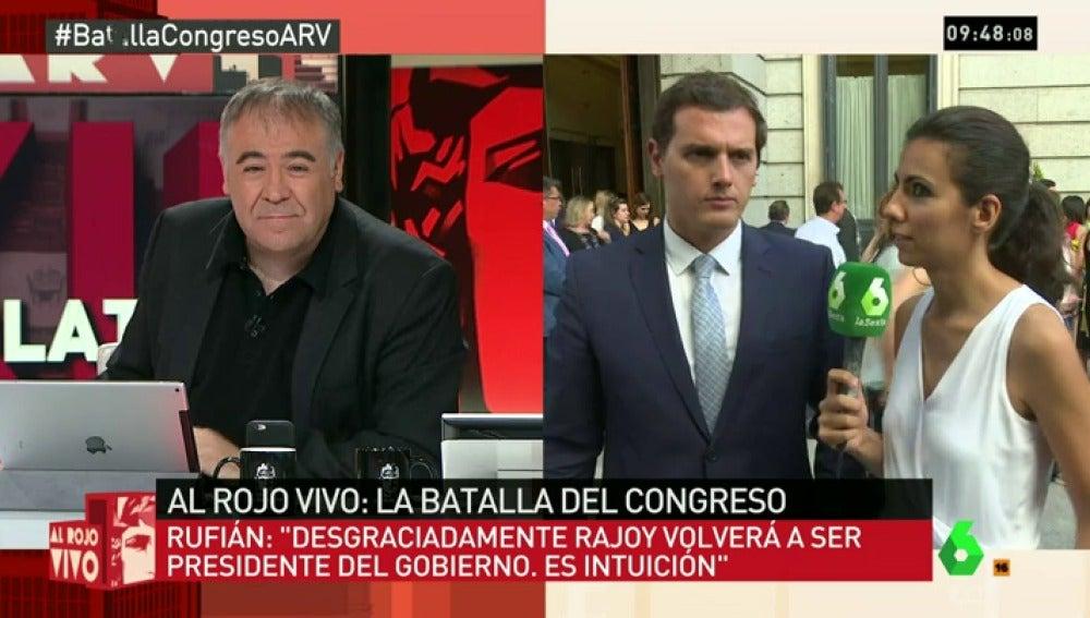 """Frame 7.025773 de: Rivera se defiende del acuerdo con el PP: """"Propusimos a Patxi López, pero PP y PSOE no quisieron negociar"""""""