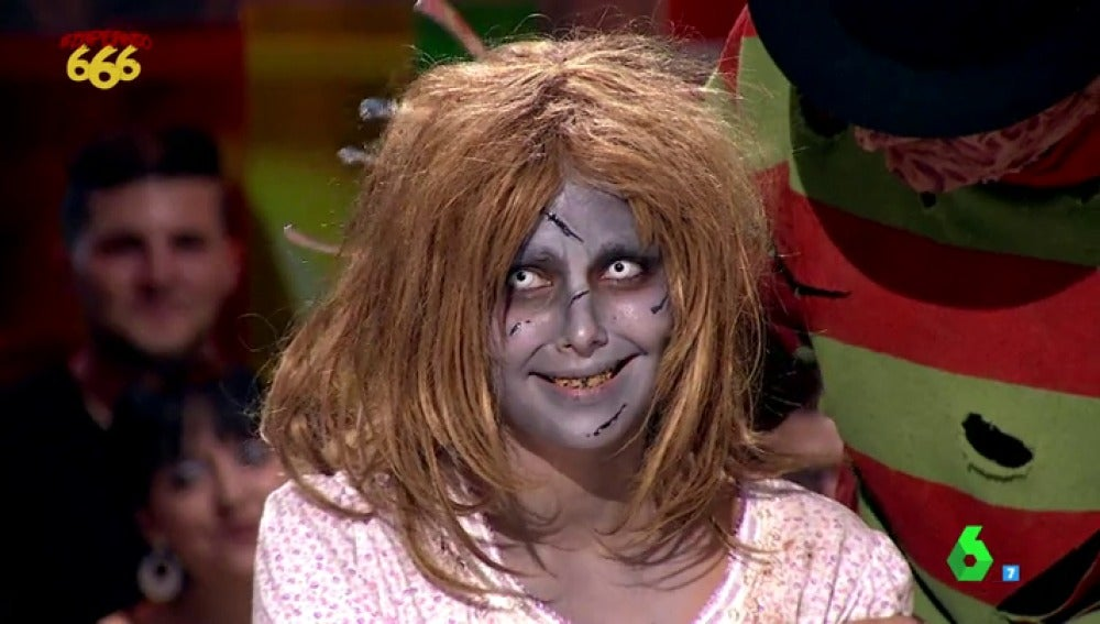 """Frame 127.412807 de: La niña Pedroche del Exorcista: """"No voy a poder hacer el programa, estoy en tensión"""""""