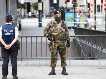 Miembros de los cuerpos de seguridad belgas