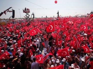 Manifestación en Estambul en apoyo a Erdogan.