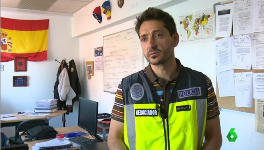 Negociador de la Policia Nacional