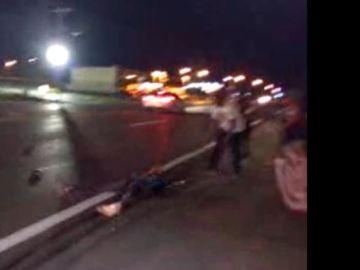Un vehículo atropella a un joven en Ferguson en el segundo aniversario de la muerte de Michael Brown