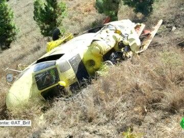 Un helicóptero contra incendios se estrella en La Palma y sus tripulantes salen con vida