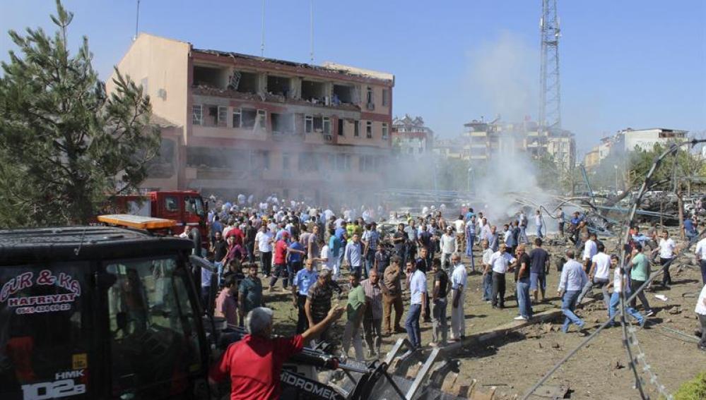 Imagen de archivo de un atentado contra una comisaría en Turquía