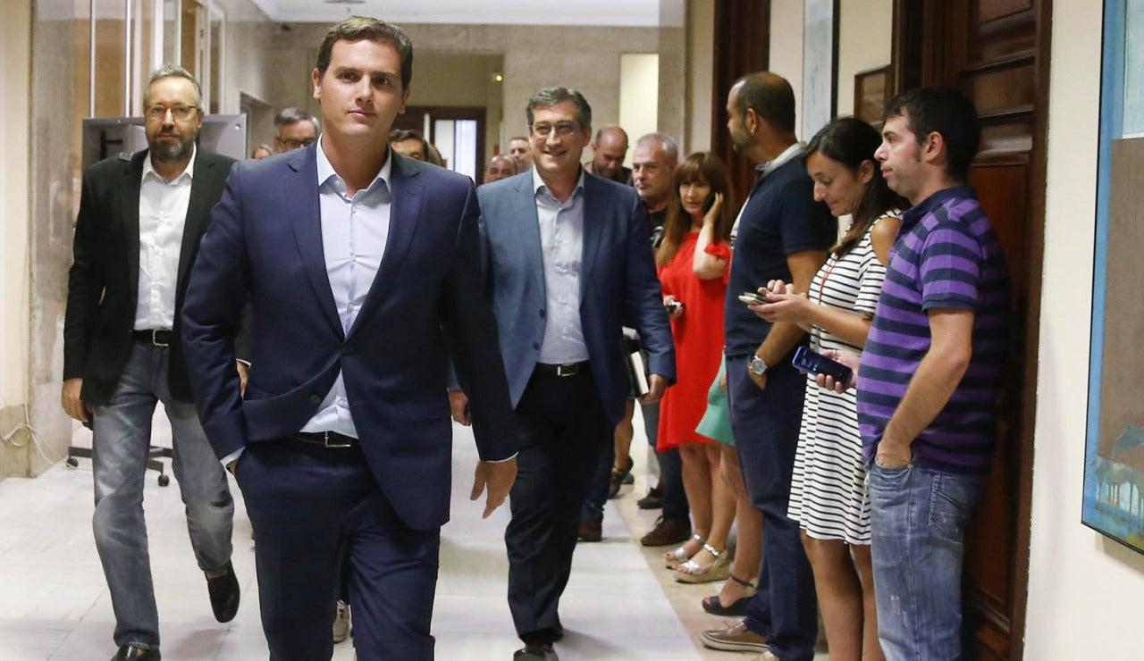 Albert Rivera en los pasillos del Congreso
