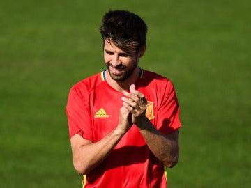 Gerard Piqué en un entrenamiento con España.