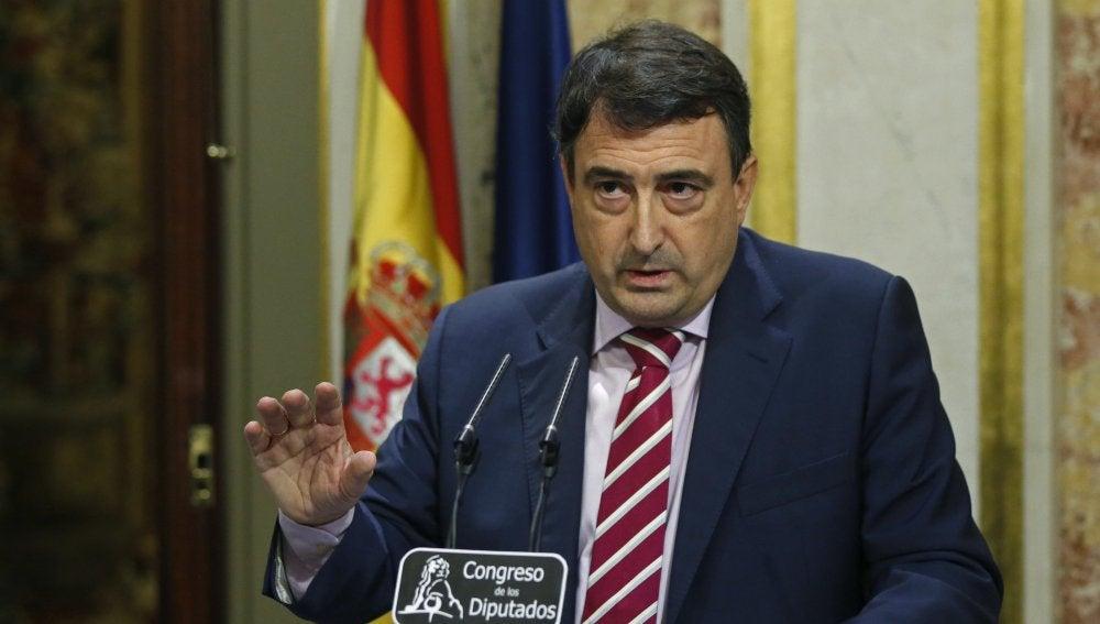 """Aitor Esteban, sobre el discurso de Rajoy: """"Se ha pasado de frenada, si tenía pocos frentes, ahora tiene uno más"""""""