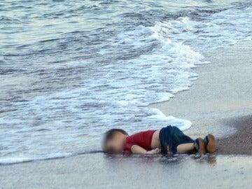 La muerte de Aylan, una imagen que indujo a promesas que se ahogaron con el pequeño