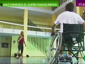Frame 54.899288 de:  De mero tratamiento a hobby o profesión, así es el deporte en el Hospital Nacional de Parapléjicos de Toledo