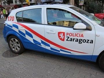 Imagen de archivo de un coche de la Policía Local de Zaragoza