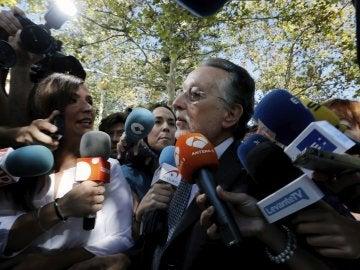 Alfonso Grau a su entrada en los juzgados