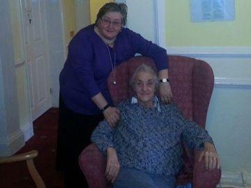 Susan Linda Hayes y Patricia Bancroft