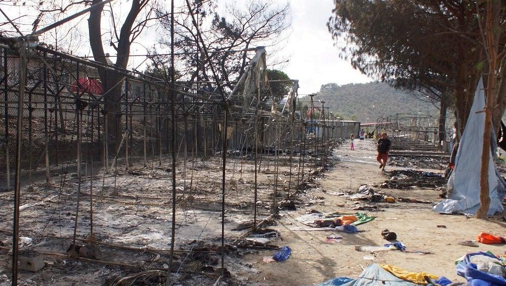 El campamento de refugiados de Moria, en Lesbos, después del incendio