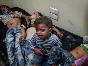 Niños heridos tras un ataque en Alepo