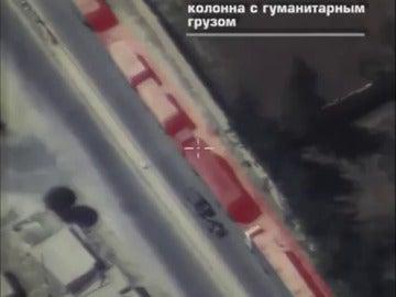 Frame 0.0 de: Rusia publica un vídeo en el que se observa el convoy humanitario de la ONU escoltado por yihadistas en Alepo