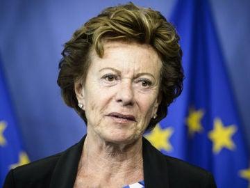 La excomisaria europea de Competencia Neelie Kroes
